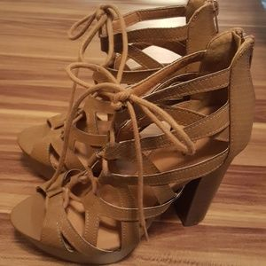 Brand New Tan Platform Lace Up Heel Size 7.5 NWOT